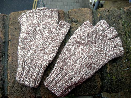 Как связать перчатки без пальцев в пять шагов