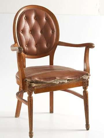 Как обновить старый стул с подручными