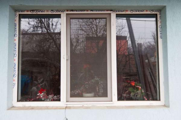 Установка пластиковых окон своими руками — пошаговая инструкция