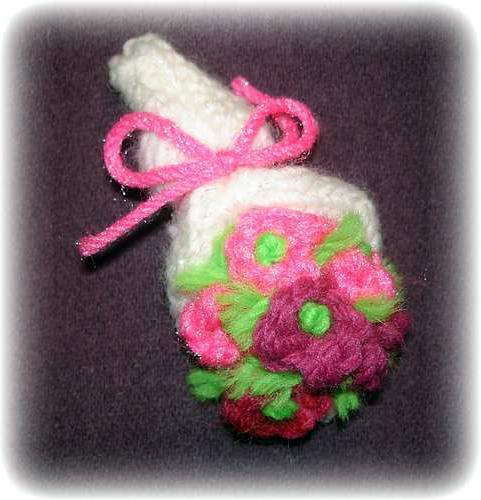 симпатичные вязаные цветы в подарок на 8 марта Doit Yourselfru